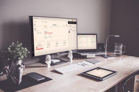 Viết phần mềm quản lý khách hàng CRM
